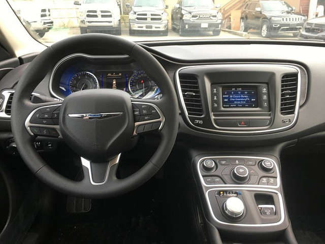 VINN | 2017 | Chrysler 200 LX ONLY $136 bi/w Uconnect
